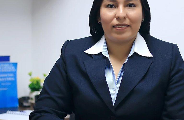 Johanna Guachichullca Bohorquez Coordinadora de Bachillerato cenu